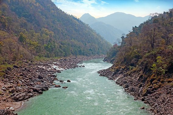 De heilige rivier Ganges in India bij Laxman Jhula