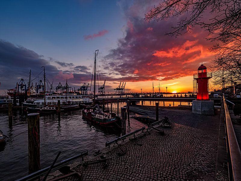 2016-02-28 LMuseumshafen mit Leuchturm Övelgonnne von Joachim Fischer