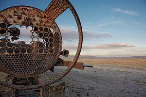 Oude Spoorweg kerkhof van treinen in de woestijn van uyuni, bolivia