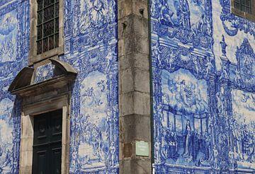Gekleurd tafereel in Porto, Portugal von Julia Wezenaar