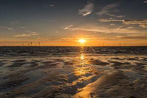 Reflecterende zonsondergang van Marianne van der Westen