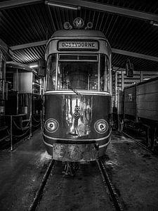een Nostalgische RTM tram in het zwart wit.  van