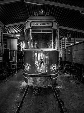 un tram nostalgique RTM en noir et blanc. sur Michel Knikker