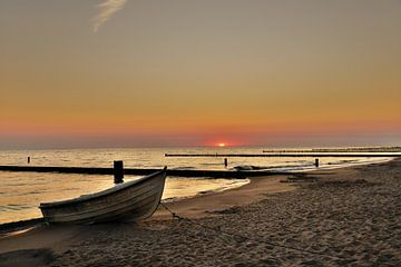 Sonnenaufgang am Meer von Martina Fornal