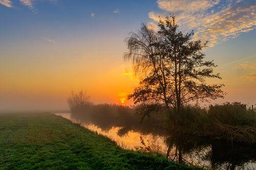 Kleurrijke zonsopgang in de Schermer Polder