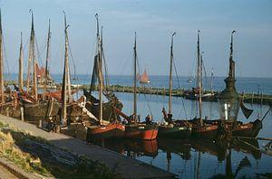 Vissersvloot Marken jaren 50 van Jaap Ros