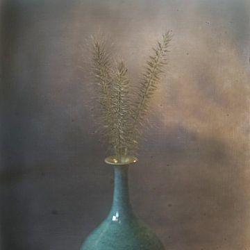 Stillleben Vase mit Grashaaren von Herman Peters