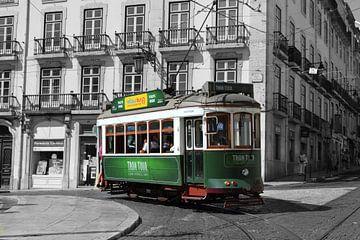Oud trammetje in Lissabon van Aart Reitsma
