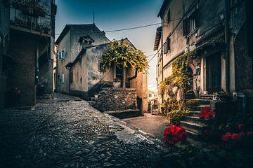 Altes Bergdorf in Kroatien zum Sonnenuntergang Moscenice von Fotos by Jan Wehnert