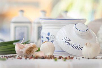 Landhaus Liebe Knoflook op tafel van Tanja Riedel