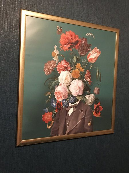 Klantfoto: Zelfportret met bloemen 3 van toon joosen