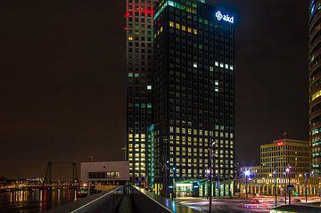Rotterdam Maastoren nightview sur Marco Faasse
