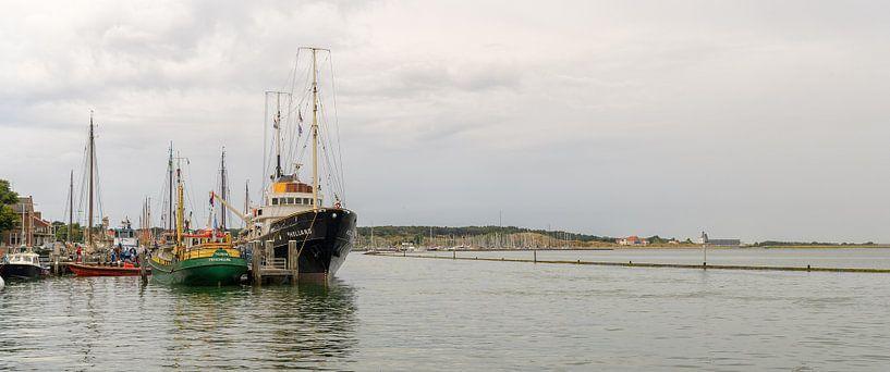 M.s. Holland in haven West-Terschelling van Roel Ovinge