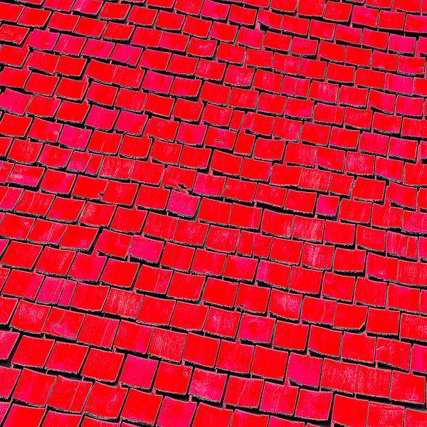 Vierkante uitsnede van een oud Zweeds houten dak van arjan doornbos