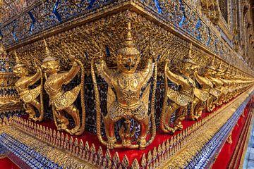 Garuda's in Wat Phra Kaew, Bangkok van Jeroen Langeveld, MrLangeveldPhoto