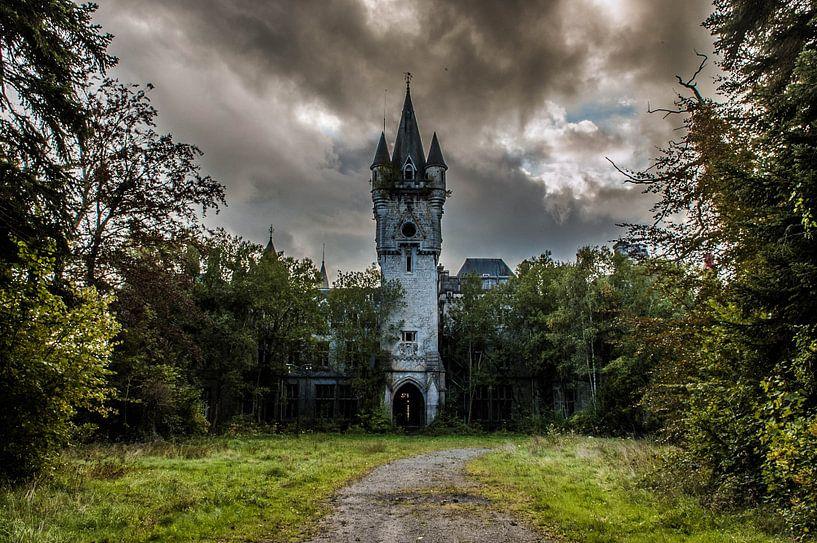 Chateau Noisy - I van Anjolie Deguelle