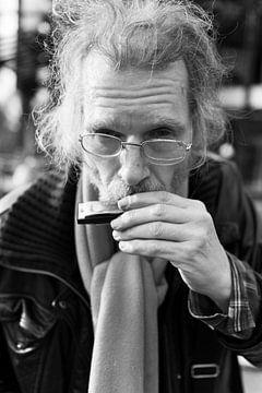 Straatmuzikant van Renier Izeboud
