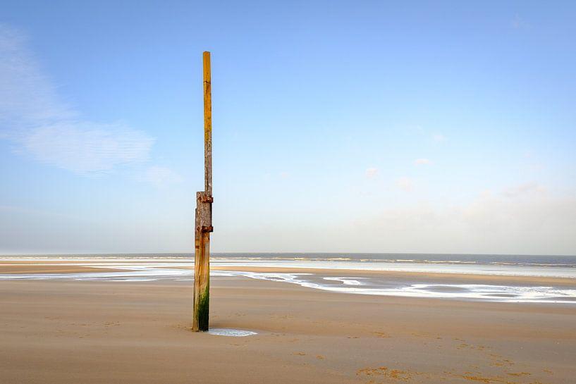 Poste de mesure sur la plage sur Johan Vanbockryck