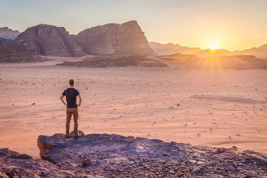 Wadi Rum, Jordanië van Bart van Eijden