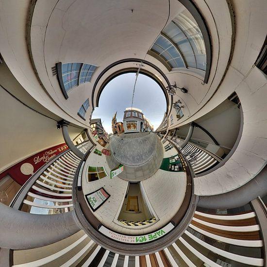 shopping street van Roger Sanders