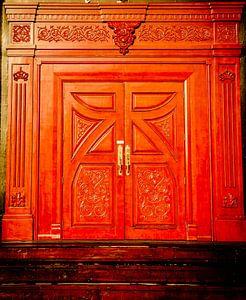 The big red door