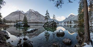 """Berglandschaft """"Hintersee in den Berchtesgadener Alpen"""" von Coen Weesjes"""