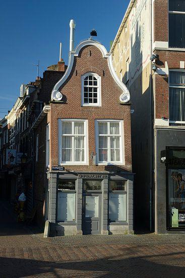 Het kleinste huisje aan de Oudegracht in Utrecht van In Utrecht
