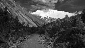 Swarga Dwar Annapurna in Nepal zwart-wit