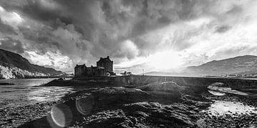 Eilean Donan Castle in Schottland / Schwarzweiss von Werner Dieterich