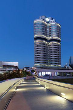 BMW Hochhaus mit BMW Museum, München von Markus Lange