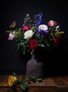 Stilleven met vlinder van Odette Kleeblatt