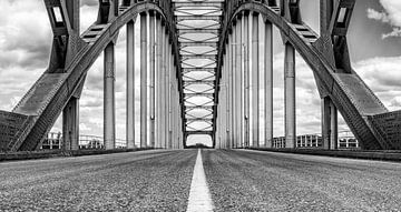 Oude IJsselbrug over de IJssel tussen Zwolle en Hattem van Sjoerd van der Wal