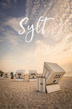 Sommerabend mit Strandkörben auf Sylt II von Christian Müringer