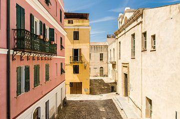 PIazzo Molo, vlakbij de haven van Alghero, Sardinië van Sven Wildschut