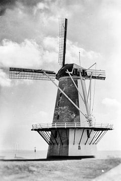 Oranjemolen in Vlissingen (zwartwit) van Fotografie Jeronimo