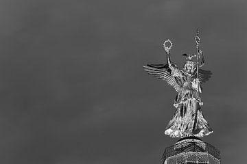 Skulptur auf der Berliner Siegessäule von Frank Herrmann