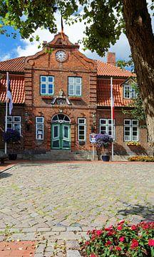 Het pittoreske stadhuis van Lütjenburg van Gisela Scheffbuch