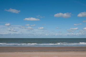 Op het strand in Westende - België van Tamara Witjes