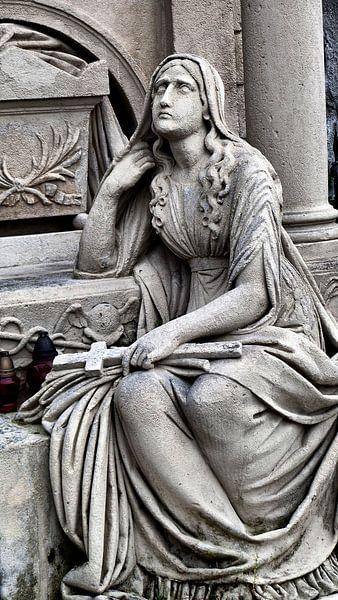 ...ein Land der Lebenden und ein Land der Toten... III von Ilona Picha-Höberth
