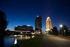 Nachtopname Rembrandttoren Amsterdam