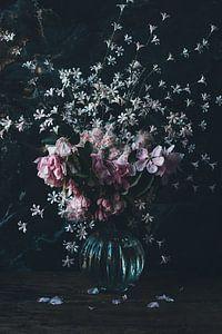 Frühlingsstrauss mit rosa Blüte