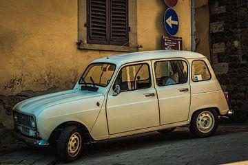 Oude Renault 4 van Bas Schneider