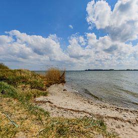 Naturstrand bei Glutzow am Strelasund, Insel Rügen von GH Foto & Artdesign