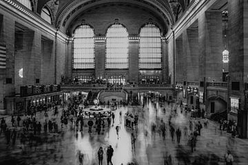 Die Zeit vergeht in Grand Central Station, New York, schwarz-weiß von Nynke Altenburg