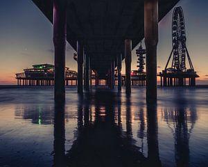 Onder de pier.