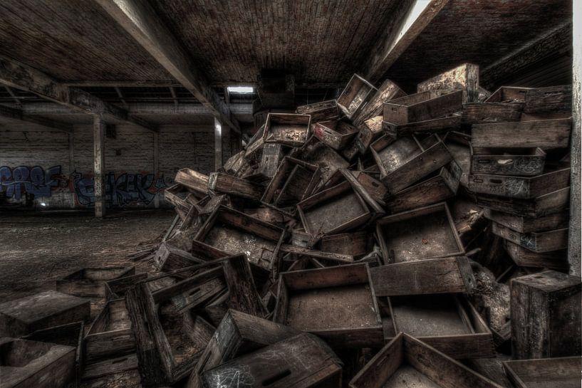 Wooden Crates van Maikel Brands