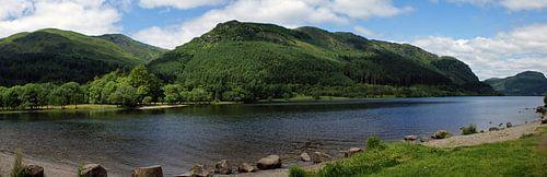 Een Loch in de Highlands van Schotland van
