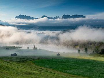 Uitzicht over de Geroldsee naar de Karwendel van Andreas Müller