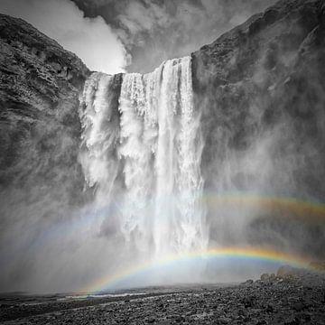 ISLAND Skogafoss mit Doppelregenbogen | Colorkey von Melanie Viola