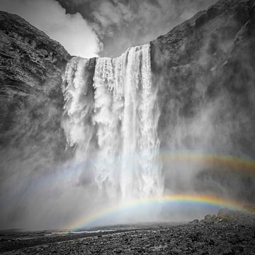 IJSLAND Skogafoss dubbele regenboog | colorkey van Melanie Viola